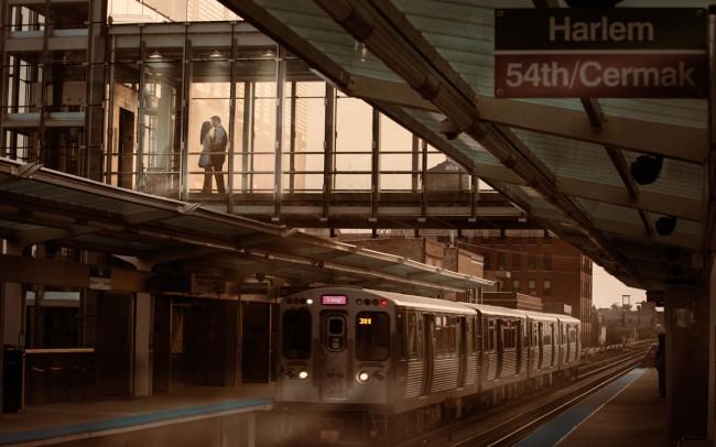 Chicago-CTA-El-Train-Engagement-Photo