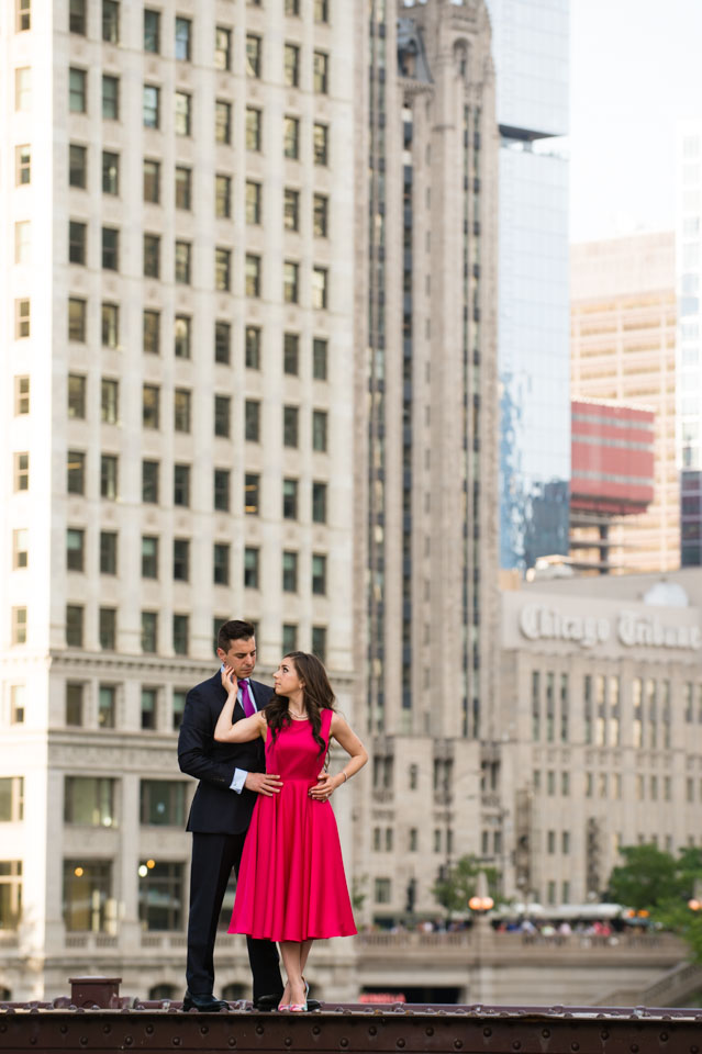 Couple posed on Wabash bridge in Chicago