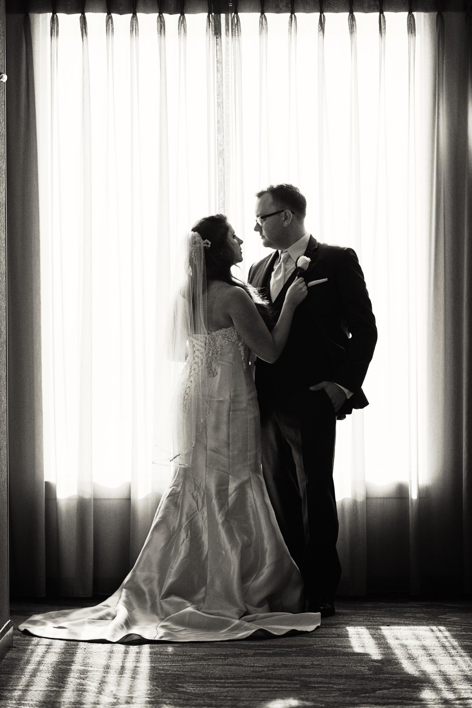 Renaissance Schaumburg Hotel dramatic wedding
